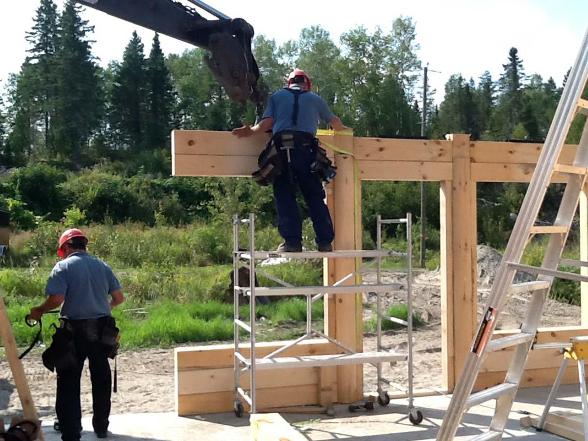 Transport livraison et installation prestige bois rond for Idee maison a construire